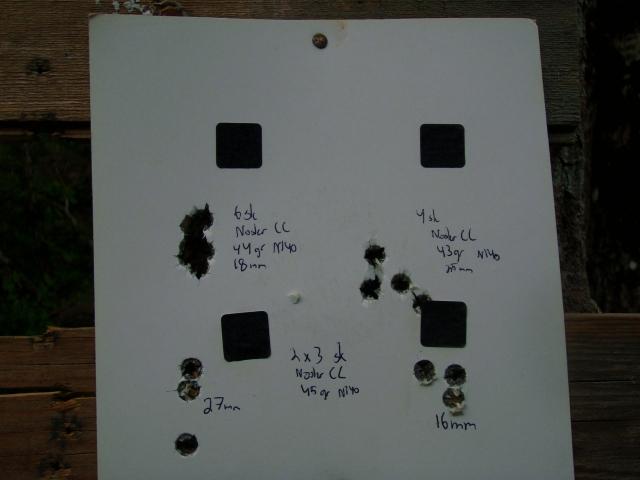 Som vi ser fra disse samlingene skiller 44gr seg godt ut fra de andre. De tre første skuddene gikk i samme hull, noe som førte til at jeg skøyt tre til. Dette åpnet samlingen litt, men 6 skudd på 18mm er et godt utgangspunkt for videre treningsladning.