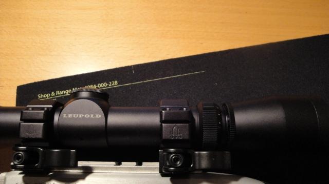 Leupold VX-ll 2-7x33 Matt LR Duplex montert med Leapers UTG ringer.