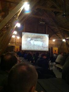 Foredraget ble holdt på låven til Hell Events og skapte god stemning